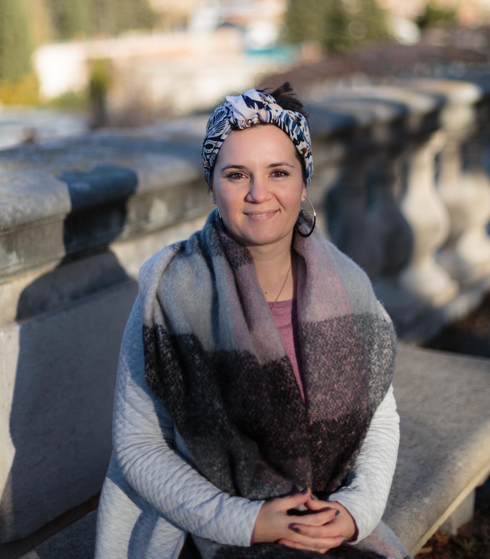 Manon Smahi Cuzin, facilitatrice de projets ! J'accompagne des femmes de tous horizons vers leur accomplissement professionnel. Clique sur ma photo pour en savoir plus...