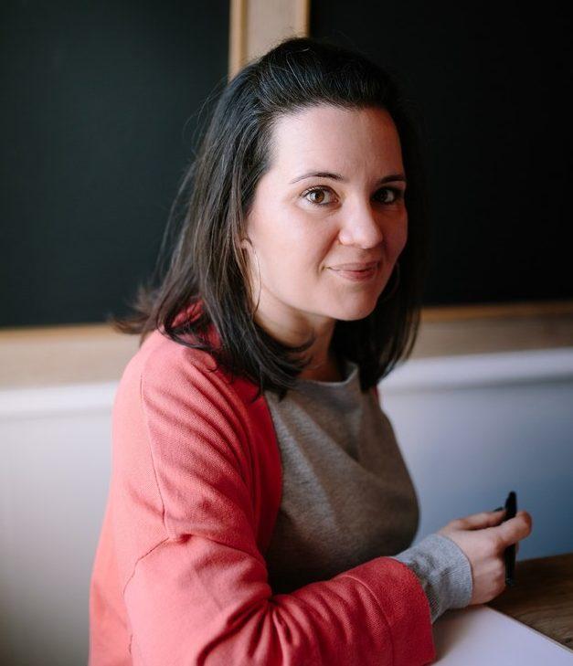 Manon Smahi Cuzin Facilitatrice de projets professionnels pour les femmes qui entreprennent leur vie pro de façon responsable - Ambitions Plurielles