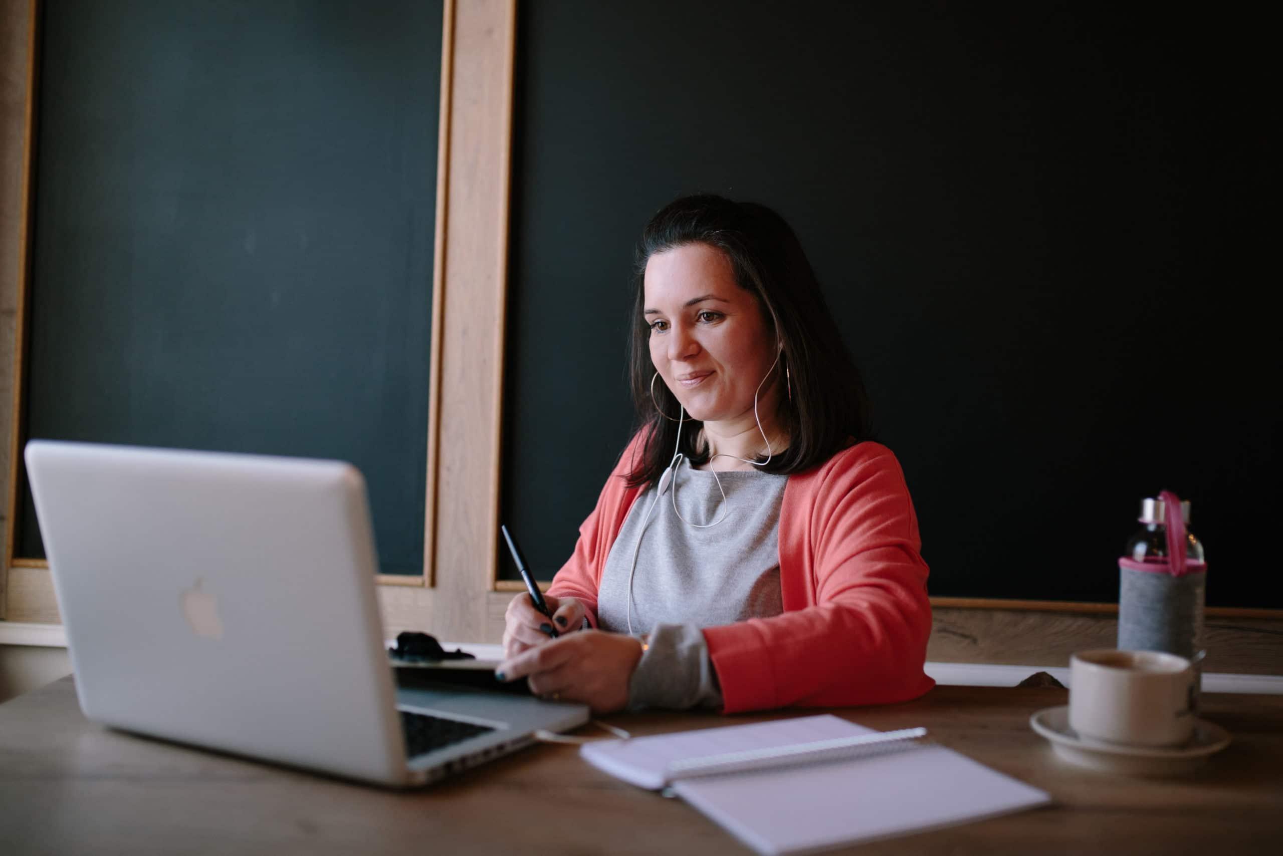 Manon Smahi Cuzin consultante formatrice