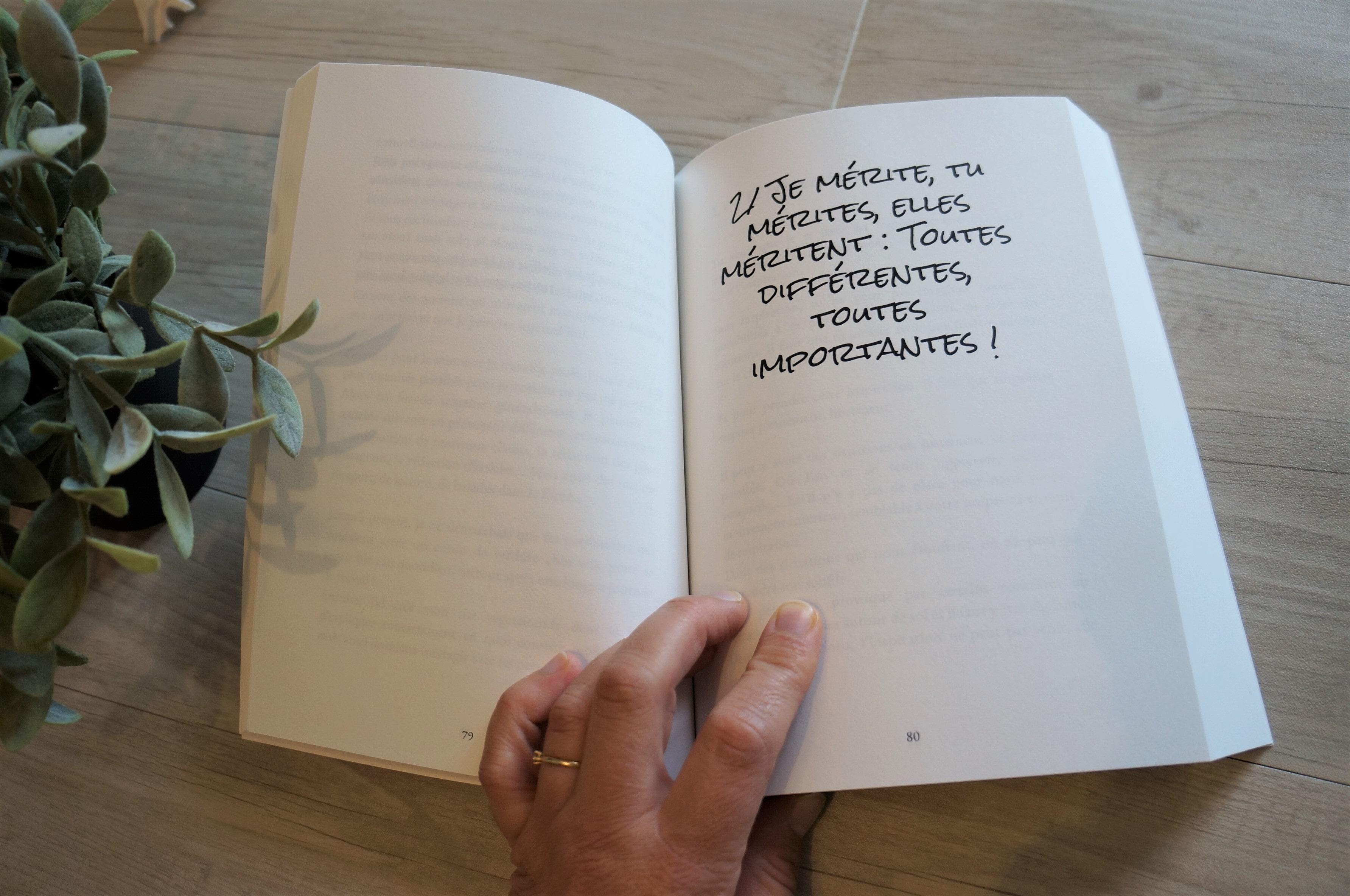 Livre épanouissement professionnel féminin intérieur livre Ne me définissez pas je m'en charge ! de Manon Smahi Cuzin - Ambitions Plurielles