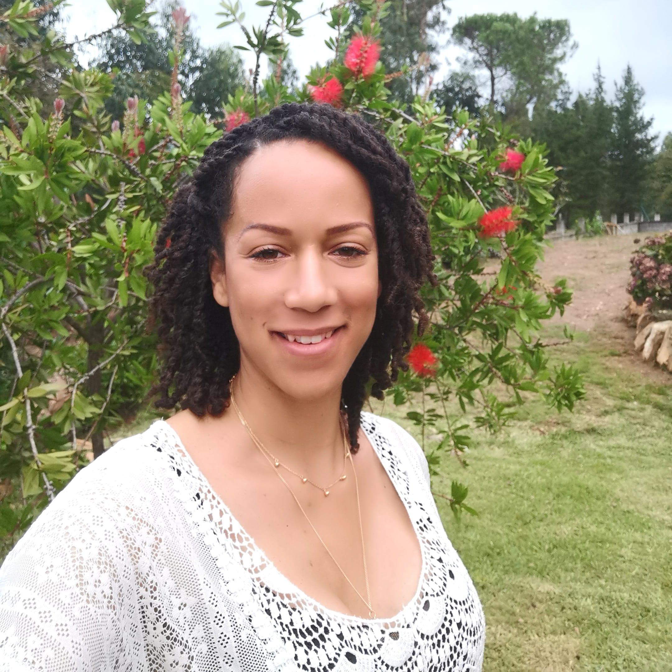 Flavia DO VALE professionnelle de l'accompagnement